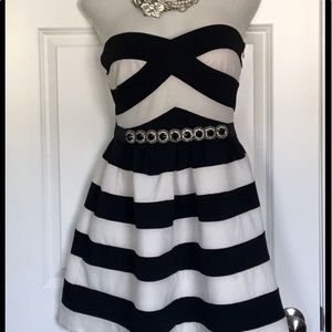CALS SUPER CUTE BLACK & WHITE DRESS 👗